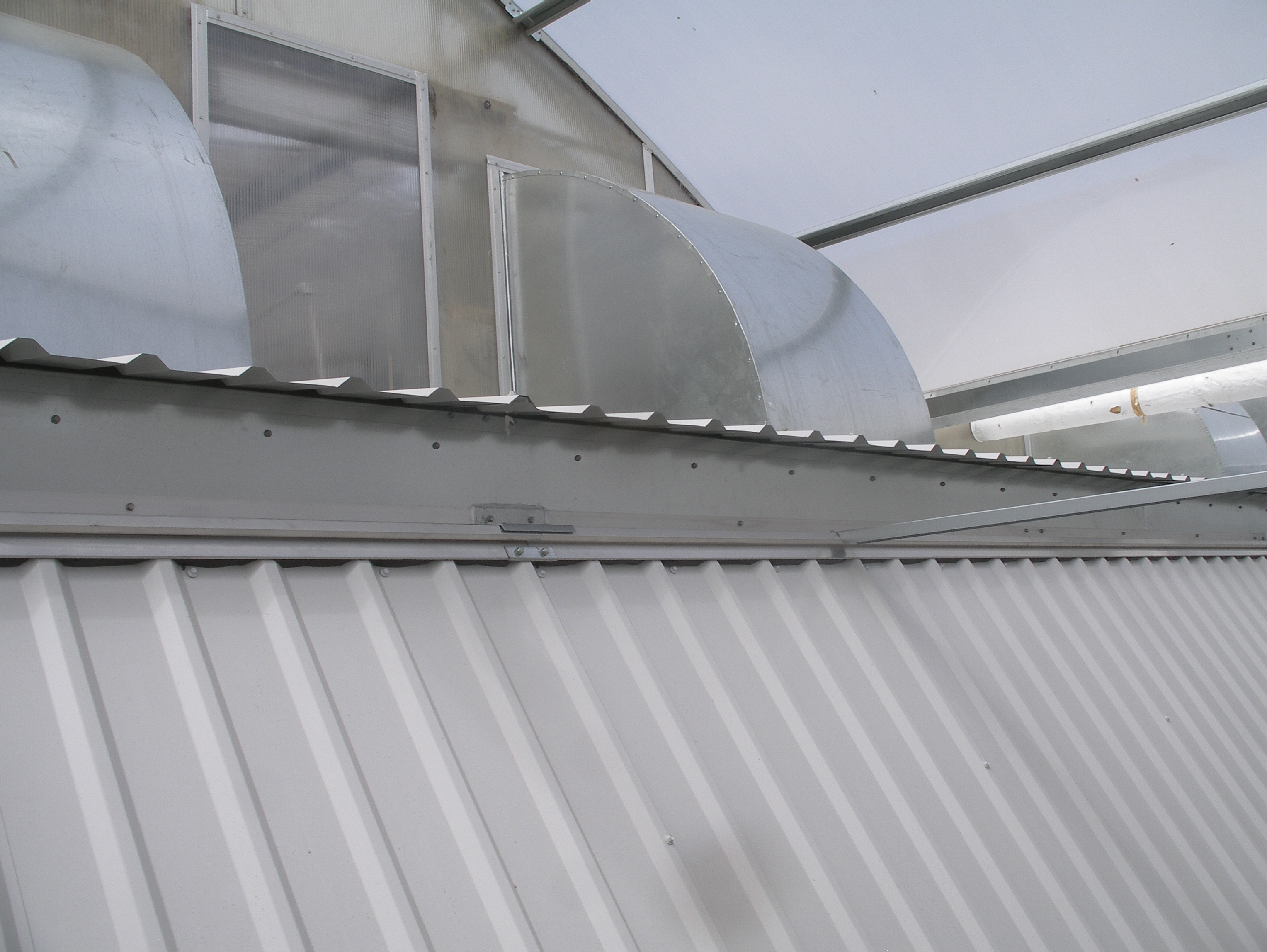 Positive Pressure Cooling | Cooling systems | Commercial Greenhouses Equipment